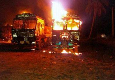 Maoistler Kum Mafyası'nın Araçlarını Yaktı