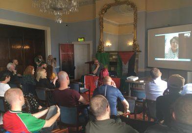 Leila Khaled spreekt met succes in Dublin