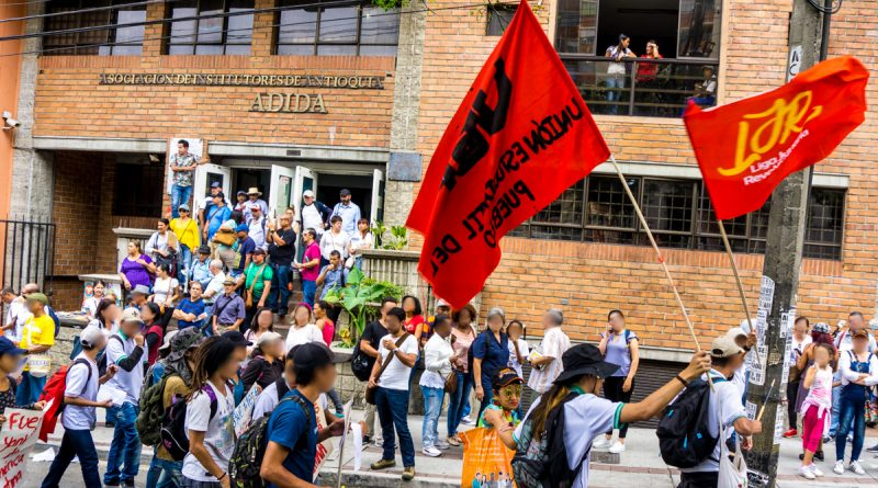 Colombia: youths carry out anti-imperialist actions